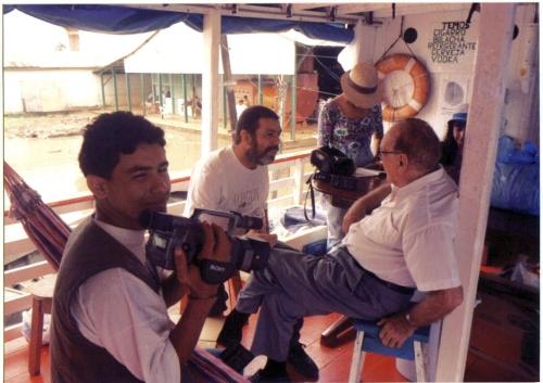 Beto Bertagna conversa com Vitor Ugo. Jurandir Costa filma tudo.1997 Foto : L. Brito